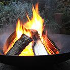 Cast iron fire pit / brazier
